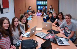 Reunió del consell rector de la cooperativa d'alumnes Les Oliveres de l'Escola Sant Gervasi